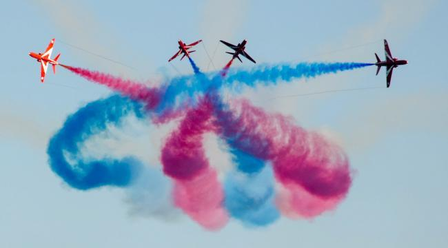 Diary of a painting - Those Magnificent Men   red arrows.jpg.gallery